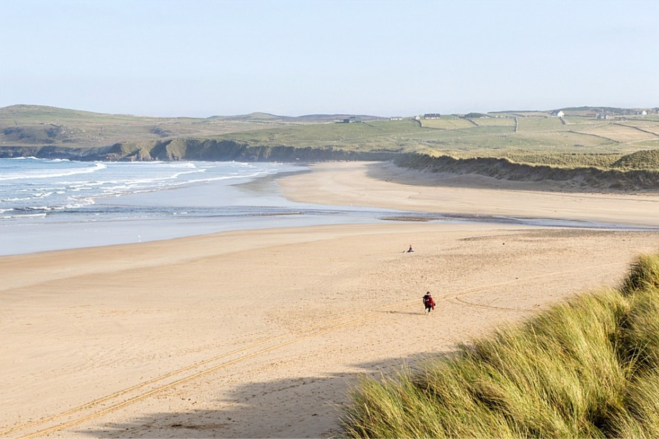 Trá Droim na Tine / Drumnatinney Beach View of Drumnatinney Green Flag Beach in Co Donegal, along the Wild Atlantic Way